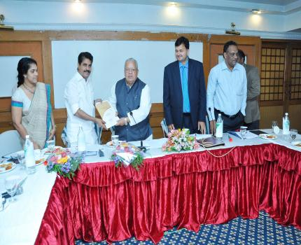 Hon'ble Minister Sri Kalraj Mishra interacting with Hon'ble Minister Coir Sri A Prakash